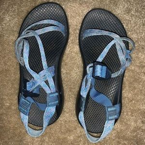 BLACK WITH BLUE STRAPS CHACOS